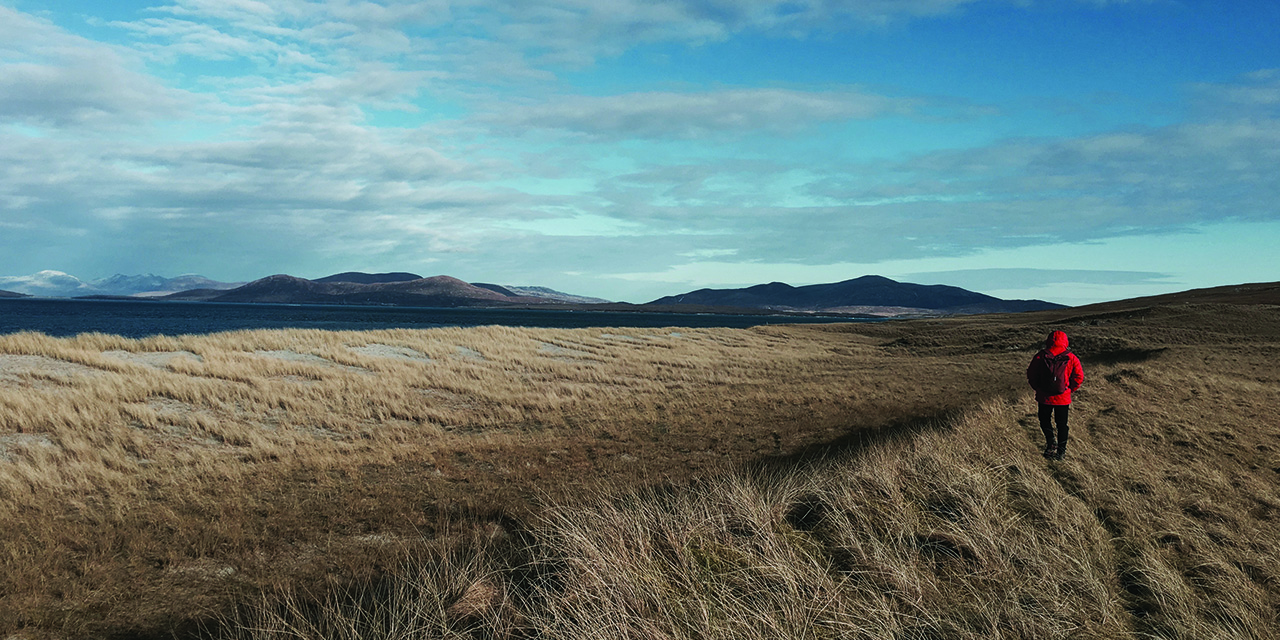 tigharry-schoolhouse-north-uist-self-catering-accommodation-view-berneray-machair